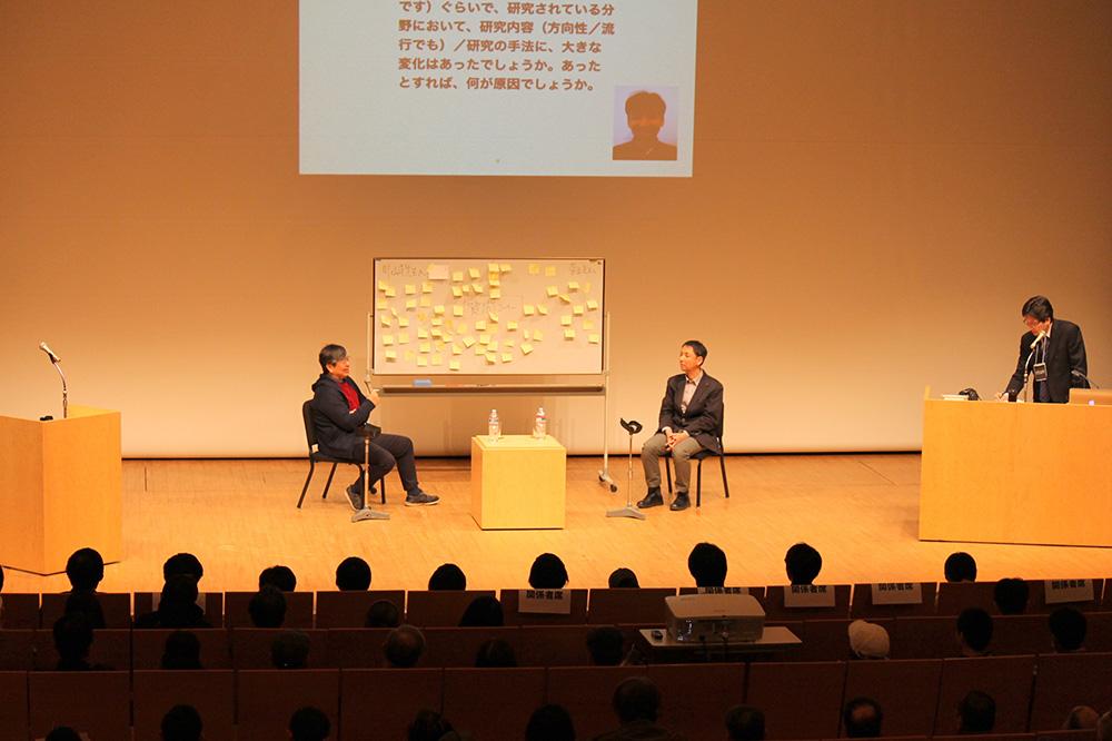 クロストークで質問し合う二人の講師たち