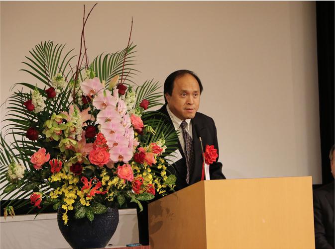 研究共同代表者として、多くの関係者への感謝について語るユタ大学のJui教授